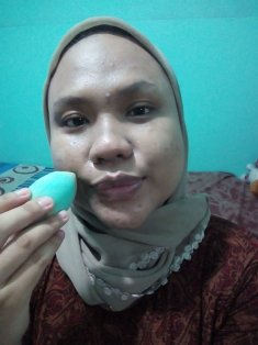 After apply with Precision Blending Sponge by Oriflame